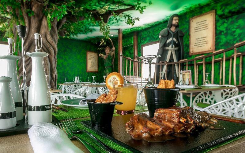 Magic Costa Blanca declara octubre 'mes de Halloween' y mantiene abierto su resort 'Robin Hood'